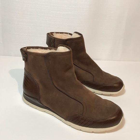 53ebacb8508 UGG Ankle Boots Laurelle Lizard 8.5 TreadLite
